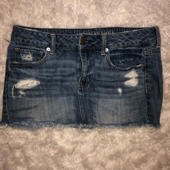 American Eagle Outfitters Dresses & Skirts - Broken In AEO Mini Distressed Denim Skirt